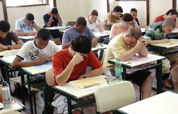 Haverá questões de inglês e espanhol no ENEM/2010